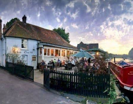 Pangbourne-on-Thames - Swan Inn